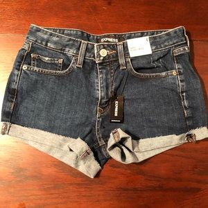 NWT Express shortie size 6
